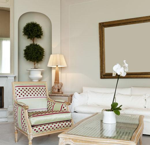 pink-grey-livingroom